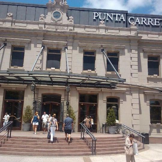 Foto tirada no(a) Punta Carretas Shopping por Mara B. em 1/12/2012