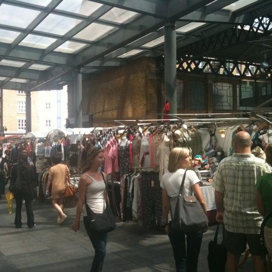 Foto tomada en Old Spitalfields Market por Lianne el 7/3/2011