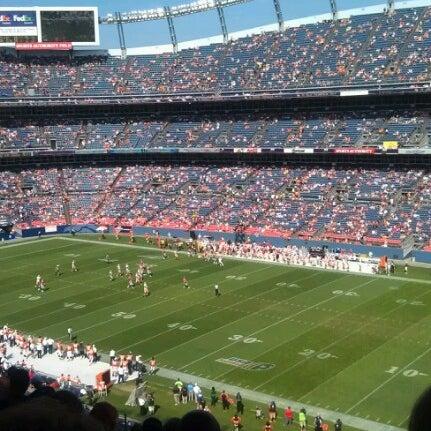 Foto diambil di Broncos Stadium at Mile High oleh Janelle V. pada 8/26/2012
