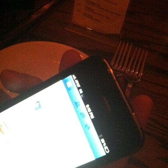 Foto diambil di Monte's Restaurant oleh Anngelica pada 5/28/2012