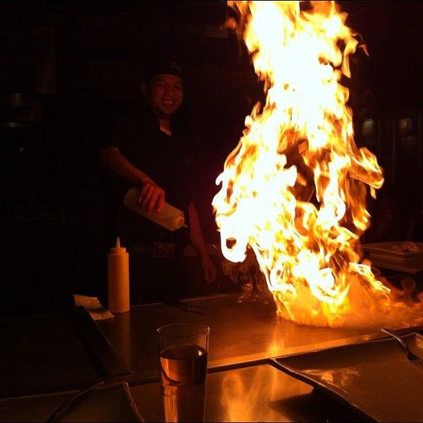 รูปภาพถ่ายที่ Desaki Japanese Restaurant โดย Suitkace R. เมื่อ 3/5/2012