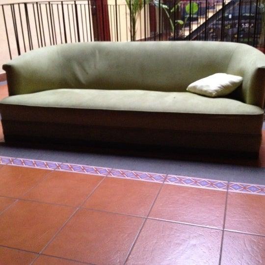 Foto tomada en Hostal Regina por Carlitos' W. el 6/23/2012