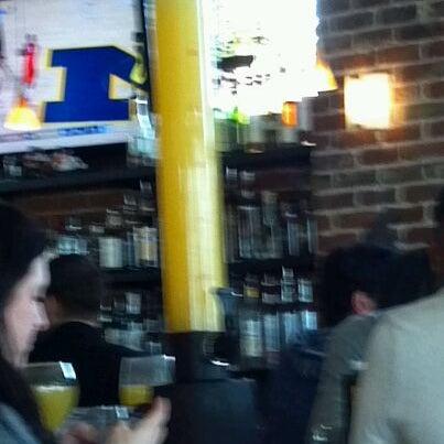 Photo prise au The Lobby par Tyler B. le2/12/2012