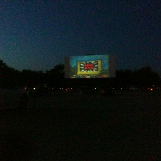 Foto tomada en Starlite Drive-In Theatre por Angelo P. el 7/16/2012