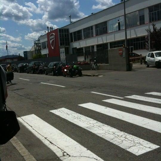 7/16/2012 tarihinde Joshua D.ziyaretçi tarafından Ducati Motor Factory & Museum'de çekilen fotoğraf
