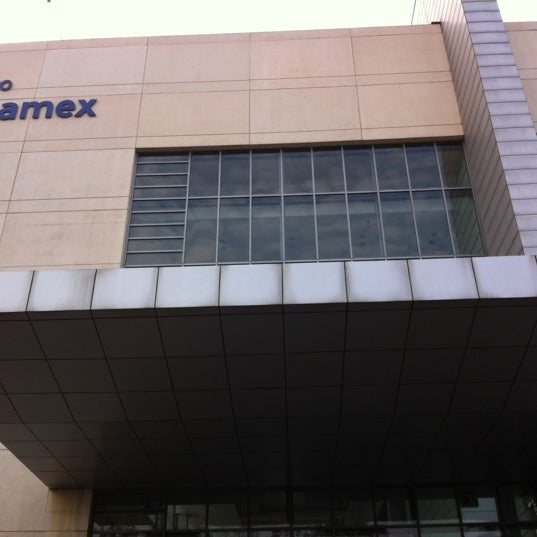 Das Foto wurde bei Centro Banamex von FER V. am 5/16/2012 aufgenommen