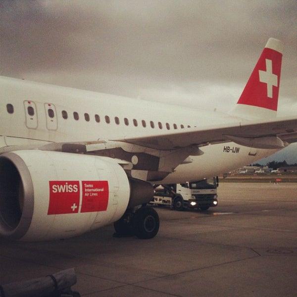 Photo prise au Aéroport de Genève Cointrin (GVA) par Oleg R. le9/2/2012