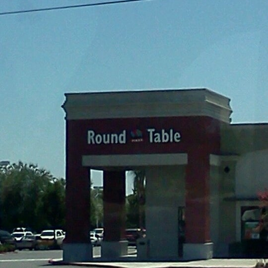 Round Table Pizza Pizza Place
