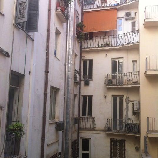 7/8/2012 tarihinde nickoletteziyaretçi tarafından Hotel Des Artistes'de çekilen fotoğraf