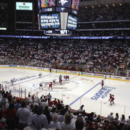 4/15/2012 tarihinde Matthew T.ziyaretçi tarafından Gila River Arena'de çekilen fotoğraf
