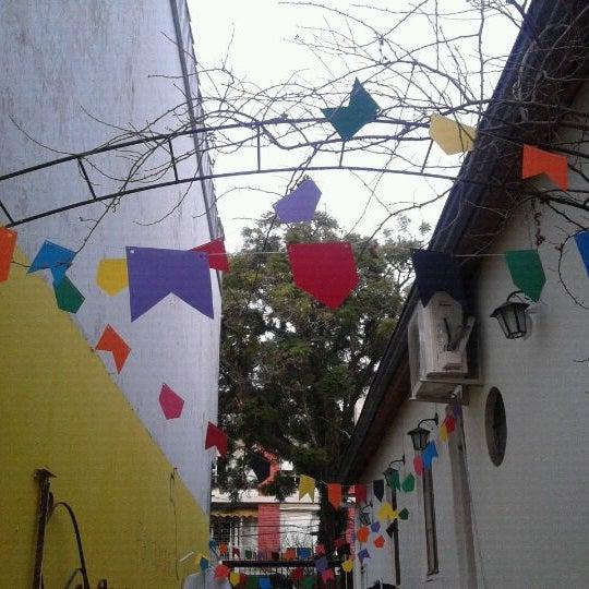6/29/2012 tarihinde Ísis B.ziyaretçi tarafından Loja Pandorga'de çekilen fotoğraf