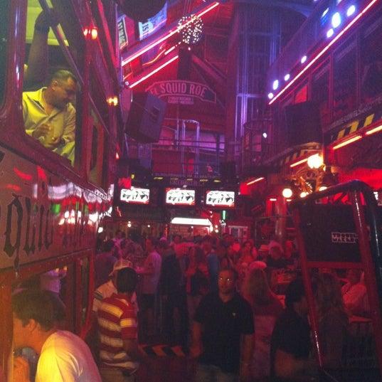Foto scattata a El Squid Roe da Gaby P. il 6/3/2012