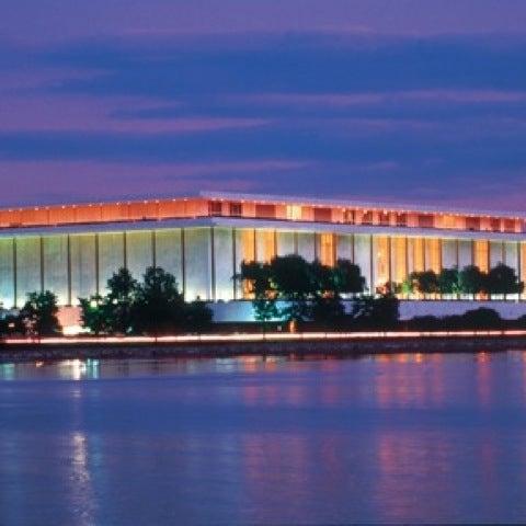 Снимок сделан в The John F. Kennedy Center for the Performing Arts пользователем Steven M. 7/22/2012