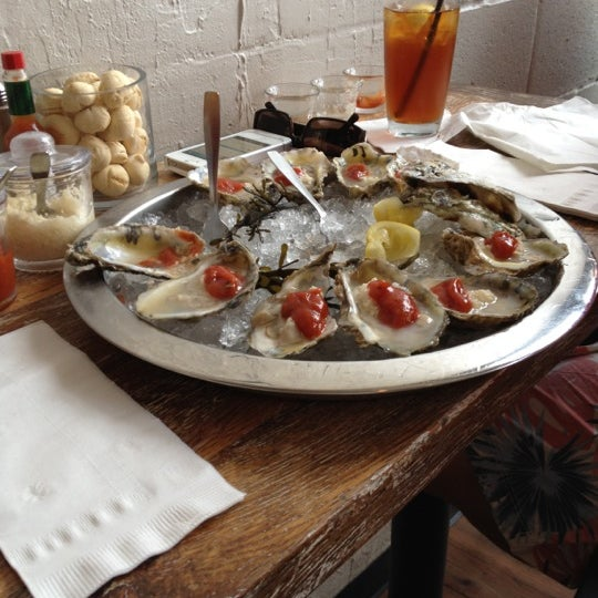 Photo prise au Henlopen City Oyster House par Ed G. le8/17/2012