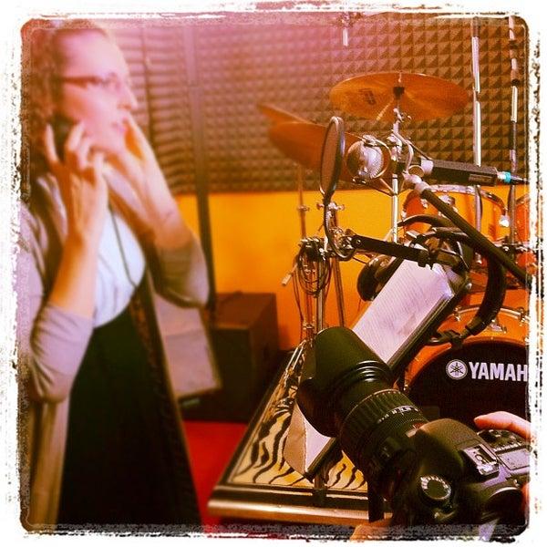 Foto tirada no(a) Double Dominant | Production Studio por Maurizio B. em 1/28/2012