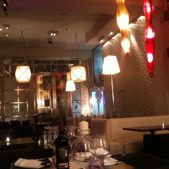10/12/2011にJorge L.がLarios Caféで撮った写真