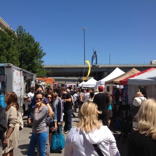 Foto tirada no(a) South End Open Market @ Ink Block por Carolyn M. em 6/17/2012