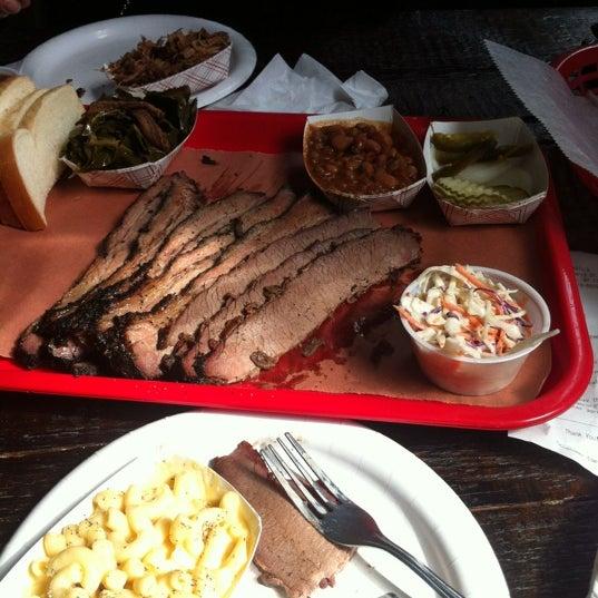 รูปภาพถ่ายที่ Mable's Smokehouse & Banquet Hall โดย DJ Cato เมื่อ 4/28/2012