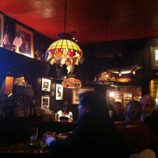 Foto tomada en Martin's Tavern por Patrick K. el 3/7/2012