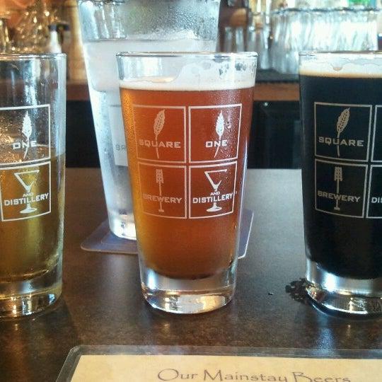 Das Foto wurde bei Square One Brewery & Distillery von Benjamin B. am 6/10/2012 aufgenommen