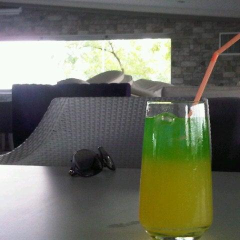 8/7/2012にZerçin Ö.がHeaven Gastropubで撮った写真