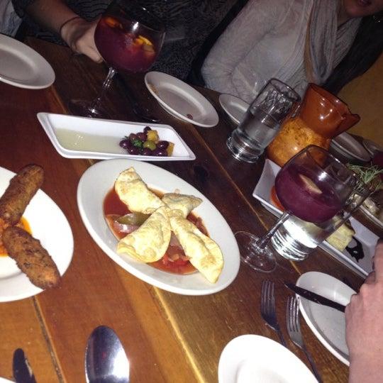 3/16/2012にEsther J.がTasca Spanish Tapas Restaurant & Barで撮った写真