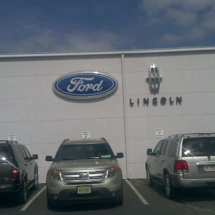 Holman Ford Maple Shade >> Photos At Holman Ford Lincoln Maple Shade 571 Route 38 W