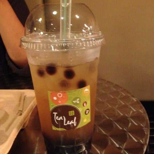 6/10/2012にSamantha N.がTea Leaf Cafeで撮った写真