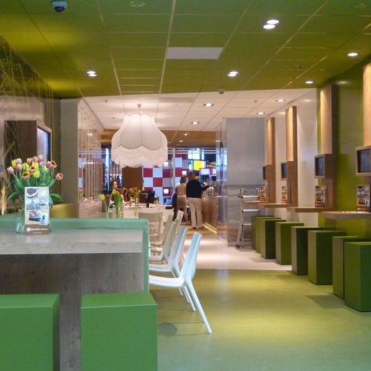 Photo taken at Dutch & Delicious by Vilmar on 6/6/2011