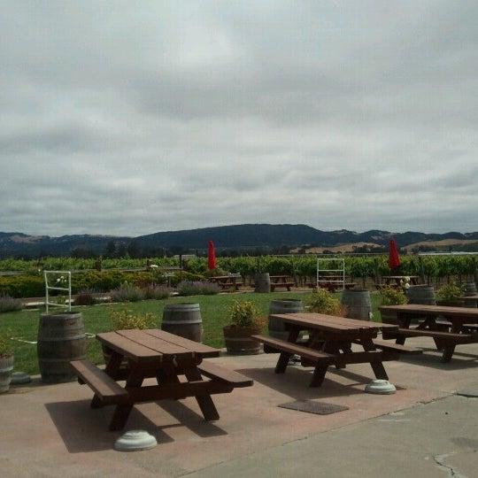 Das Foto wurde bei Larson Family Winery von Monica D. am 7/1/2012 aufgenommen