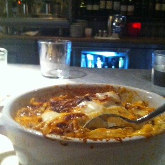 Foto scattata a Pizzeria Il Fico da Nicole C. il 12/10/2011