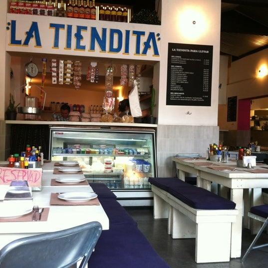 Foto scattata a Surtidora Don Batiz da Paco A. il 3/9/2012