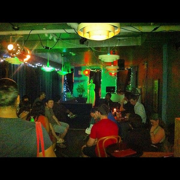 Снимок сделан в The Living Room пользователем Rick C. 7/10/2012