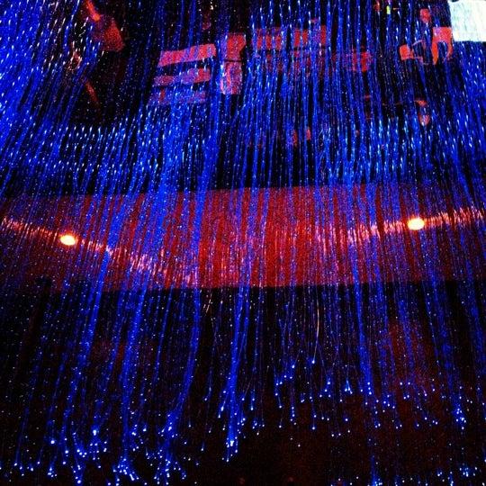 Photo prise au HaChi Restaurant & Lounge par Joanna L. le8/17/2012