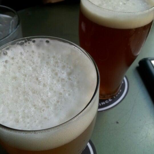 Foto tomada en Arbor Brewing Company por Andrew N. el 9/9/2012