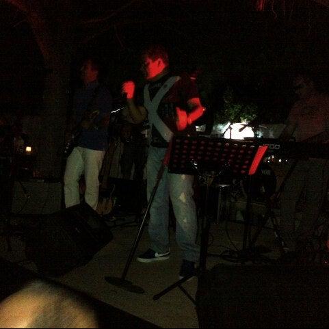 รูปภาพถ่ายที่ Paparazzi โดย Bilgehan A. เมื่อ 9/2/2012