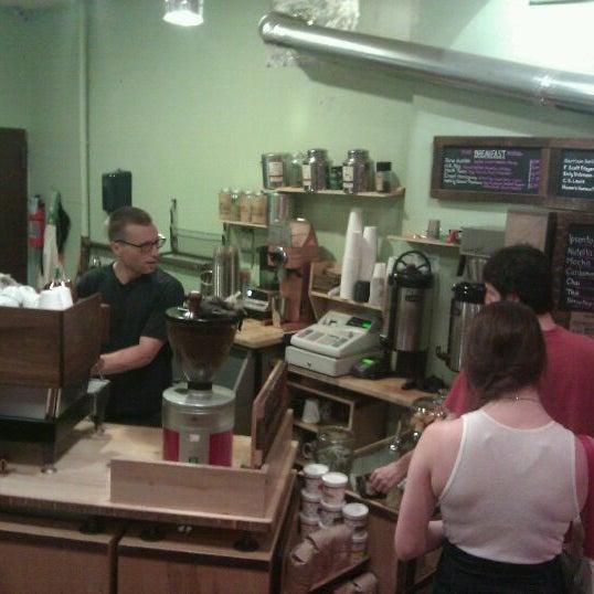 Foto tirada no(a) Ipsento Coffee House por Todor K. em 8/14/2011
