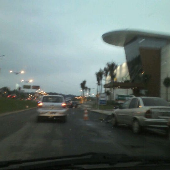 รูปภาพถ่ายที่ Shopping Park Europeu โดย Eduardo A. เมื่อ 12/8/2011