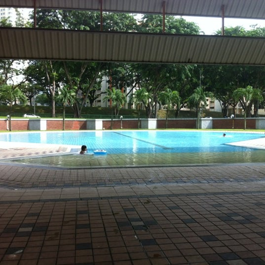 Photo prise au Clementi Swimming Complex par 💋佩云 le11/27/2011