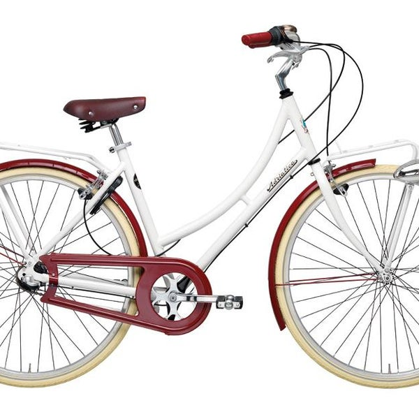 new bikes are amazing - nostalgic, red/wihte, fabulous! ;)