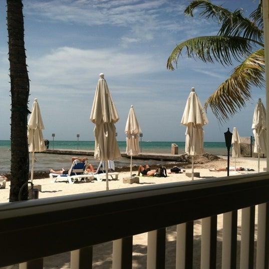 Foto tirada no(a) Southernmost Beach Cafe por Deborah K. em 6/7/2012