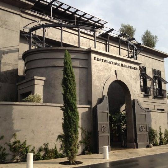 Houston Oaks: Restoration Hardware