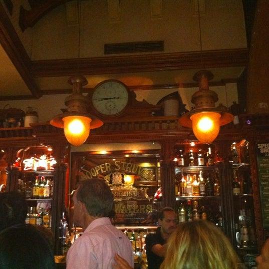 Снимок сделан в Temple Bar пользователем Alex B. 6/27/2012