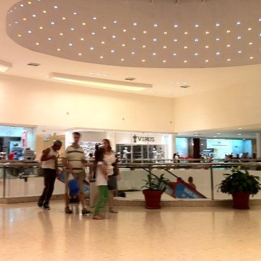 Foto tirada no(a) Shopping Palladium por Henrique G. em 2/13/2011