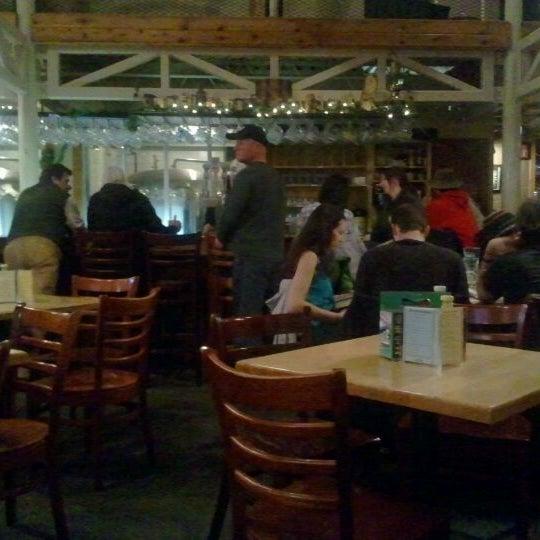 Das Foto wurde bei Snake River Brewery & Restaurant von Julie G. am 1/6/2012 aufgenommen