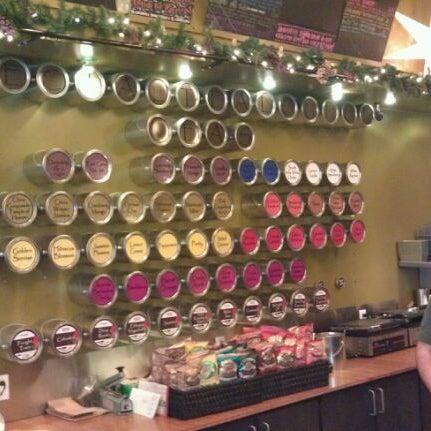 Foto tirada no(a) specialTEA Lounge & Cafe por Ricardo V. em 12/1/2011