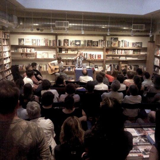 Das Foto wurde bei BookCourt von Steven B. am 6/21/2012 aufgenommen
