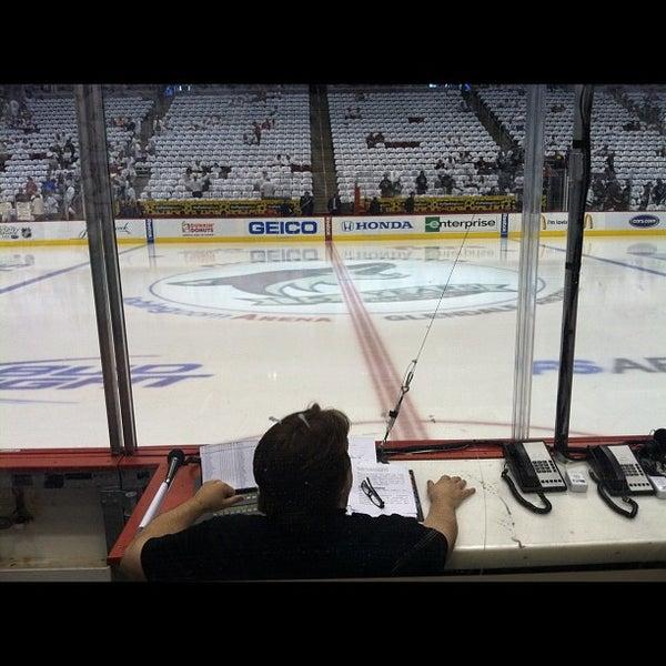 5/13/2012 tarihinde DJ JOEYziyaretçi tarafından Gila River Arena'de çekilen fotoğraf