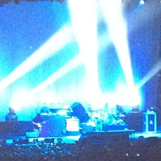รูปภาพถ่ายที่ Allstate Arena โดย Dwight P. เมื่อ 8/16/2012