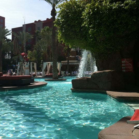 Flamingo go pool the strip 64 tips from 6322 visitors - Best swimming pools in las vegas strip ...